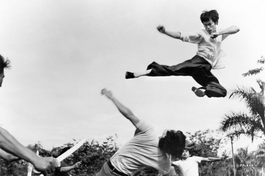 flying-kick-bruce-lee